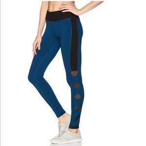 Jessica Simpson The Warmup leggings